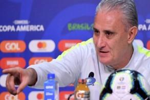 توقع تيتي ان تلعب البارغواي بخطين للدفاع مع اعتماد على لاعب كمهاجم ثان