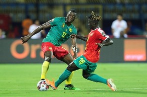 ثنائية افتتاحية للكاميرون ضد غينيا بيساو في كأس أمم إفريقيا