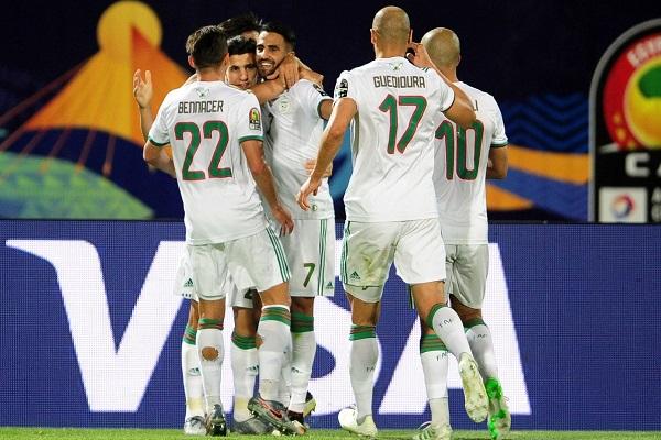 الجزائر تهزم غينيا وتبلغ ربع النهائي