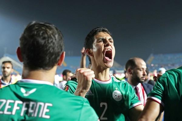 فرحة الجزائري عيسى مندي ببلوغ الدور نصف النهائي لبطولة كأس الأمم الإفريقية