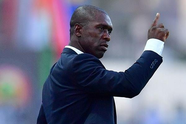 الاتحاد الكاميروني يقيل المدرب الهولندي سيدورف