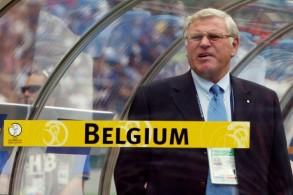 روبير فاسيج خلال قيادته منتخب بلاده بلجيكا في كاس العالم 2002 في كوريا الجنوبية واليابان