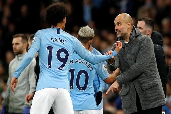 غوارديولا يحذر سانيه ويترك للاعبيه اختيار القائد الجديد