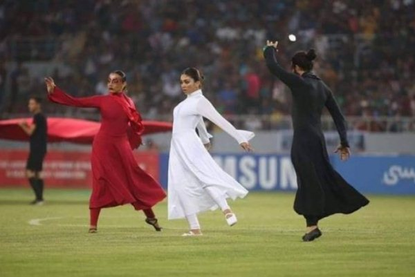 جانب من حفل افتتاح بطولة كأس غرب آسيا لكرة القدم في كربلاء