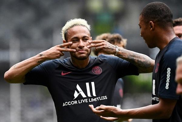 مستقبل نيمار يلقي بظلاله على بداية الموسم الجديد للدوري الفرنسي
