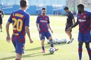 ميسي يعاود التمارين الجماعية قبل لقاء ريال بيتيس