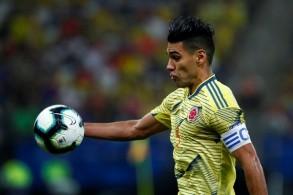 مهاجم موناكو الكولومبي راداميل فالكاو في لقطة له خلال مباراة منتخب بلاده ضد تشيلي في كوبا اميركا