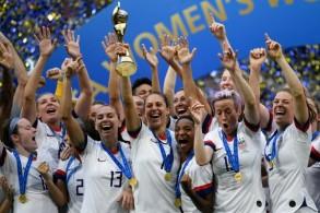 المنتخب الاميركي للسيدات الفائز بكأس العالم 2019 في فرنسا في 7 تموز/ يوليو 2019
