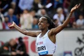 العداءة الكينية هيلين أوبيري بطلة العالم لمسافة 5 الآف متر