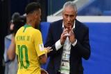 مدرب البرازيل يؤكد: نيمار ينتظر رحيله عن باريس سان جيرمان في هدوء