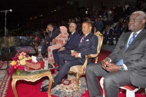 الأمير مولاي رشيد لدى ترؤسه الافتتاح الرسمي للألعاب الأفريقية في الرباط وبدا إلى جانبه موسى فاكي محمد رئيس مفوضية الاتحاد الأفريقي