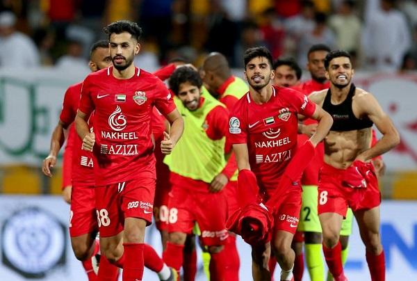 شباب الأهلي يتصدر الدوري الإماراتي وفوز العين والجزيرة والنصر