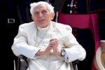 الفاتيكان يطمئن إلى صحة البابا السابق