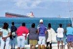تسرب نفطي يهدد الشعب المرجانية في موريشيوس