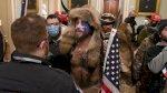 الشرطة تخلي أبنية في مقر الكونغرس من محتجين على تصديق فوز بايدن