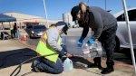 تكساس تستعيد الكهرباء وتعاني لتأمين مياه الشرب