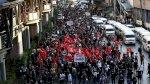 مئات التايلانديين يتظاهرون احتجاجا على قانون ذم الذات الملكية