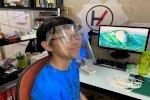 طالب فلبيني يُصنع أقنعة بطابعة ثلاثية الأبعاد