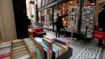 احتجاج في فرنسا على اقفال المكتبات وأجنحة الكتب في متاجر السوبرماركت