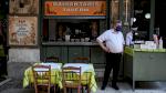 أصحاب المطاعم يحتجون في أثينا على تدابير الإغلاق