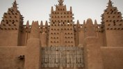 Getty Images يهدد التغير المناخي نوعية المباني في دجيني بمالي