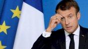 Reuters ماكرون أدان مقتل عشرات الجزائريين في باريس على يد الشرطة بعد عقود من منع تناول هذه القضية
