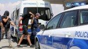 فتاة بريطانية تتهم الشرطة القبرصية بإجبارها على سحب اتهام 12 إسرائيليا باغتصابها
