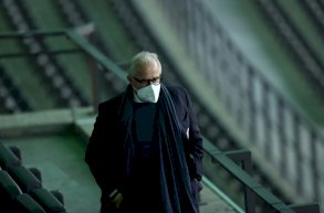رئيس الاتحاد الالماني لكرة القدم يستقيل رسمياً ويطالب بالتغيير