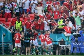 المجري فيولا يعتذر من مذيعة الملعب بعد إخافتها