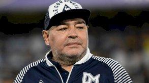 تقرير طبي يقول إن مارادونا عانى من الإهمال وسوء الرعاية قبل وفاته