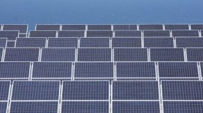 تقرير يتهم الصين بإجبارالإيغور على العمل في إنتاج ألواح الطاقة الشمسية