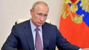 الرئيس الروسي يصف بايدن بالمخضرم وترامب بالموهوب ويتجاهل إتهامه بأنه