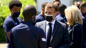 السجن أربعة أشهر للرجل الذي صفع الرئيس الفرنسي