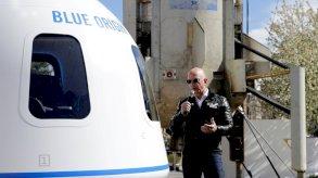مجهول يدفع 28 مليون دولار في مزاد الرحلة إلى الفضاء مع جيف بيزوس
