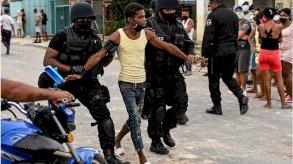 الولايات المتحدة تفرض عقوبات على مسؤولين كوبيين بعد قمع الاحتجاجات