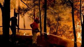 حرائق تركيا: ثمانية قتلى والنيران تلتهم غابات ومنتجعات سياحية