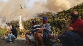 الحرائق في تركيا: إجلاء سياح أجانب من منتجعات مع ارتفاع حصيلة القتلى