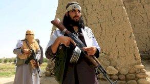طالبان تقصف مطار قندهار والجيش يرسل تعزيزات من القوات الخاصة إلى هِرات