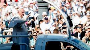 البابا فرانسيس يحذر من معاداة السامية أثناء زيارة للمجر