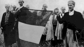 ماكرون يطلب الصفح من الحَرْكَى الجزائريين الذين تعانوا مع الاستعمار