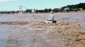 فيضانات الهند ونيبال: ارتفاع عدد الضحايا إلى 100 قتيل وعشرات المفقودين
