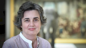 لورانس دي كار أول امرأة لرئاسة اللوفر