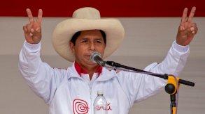 كاستيو يتصدر بفارق كبير نوايا التصويت في الانتخابات الرئاسية في البيرو