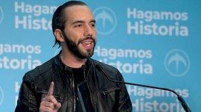 رئيس السلفادور يؤنب السفراء الأجانب لانتقادهم إقالة قضاة