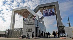 مصر تنقل جرحى فلسطينيين للعلاج في مستشفياتها