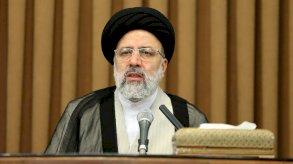مرشحا اليوم الأخير لاريجاني ورئيسي يرسمان معالم الانتخابات الإيرانية