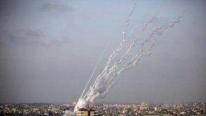 حماس تطلق صاروخًا مداه 250 كيلومترا على مطار بجنوب إسرائيل
