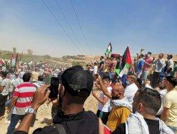 حشود أردنية لليوم الثاني على الحدود
