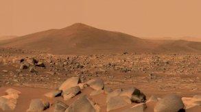الصين تنجح في إنزال روبوت صغير على سطح المريخ