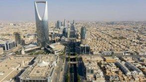 الرياض تستدعي سفير لبنان احتجاجًا